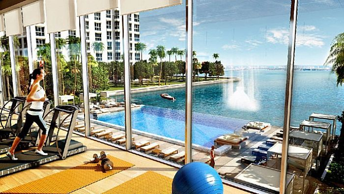 Fitness center do Icon Bay em Miami, de frente para o mar
