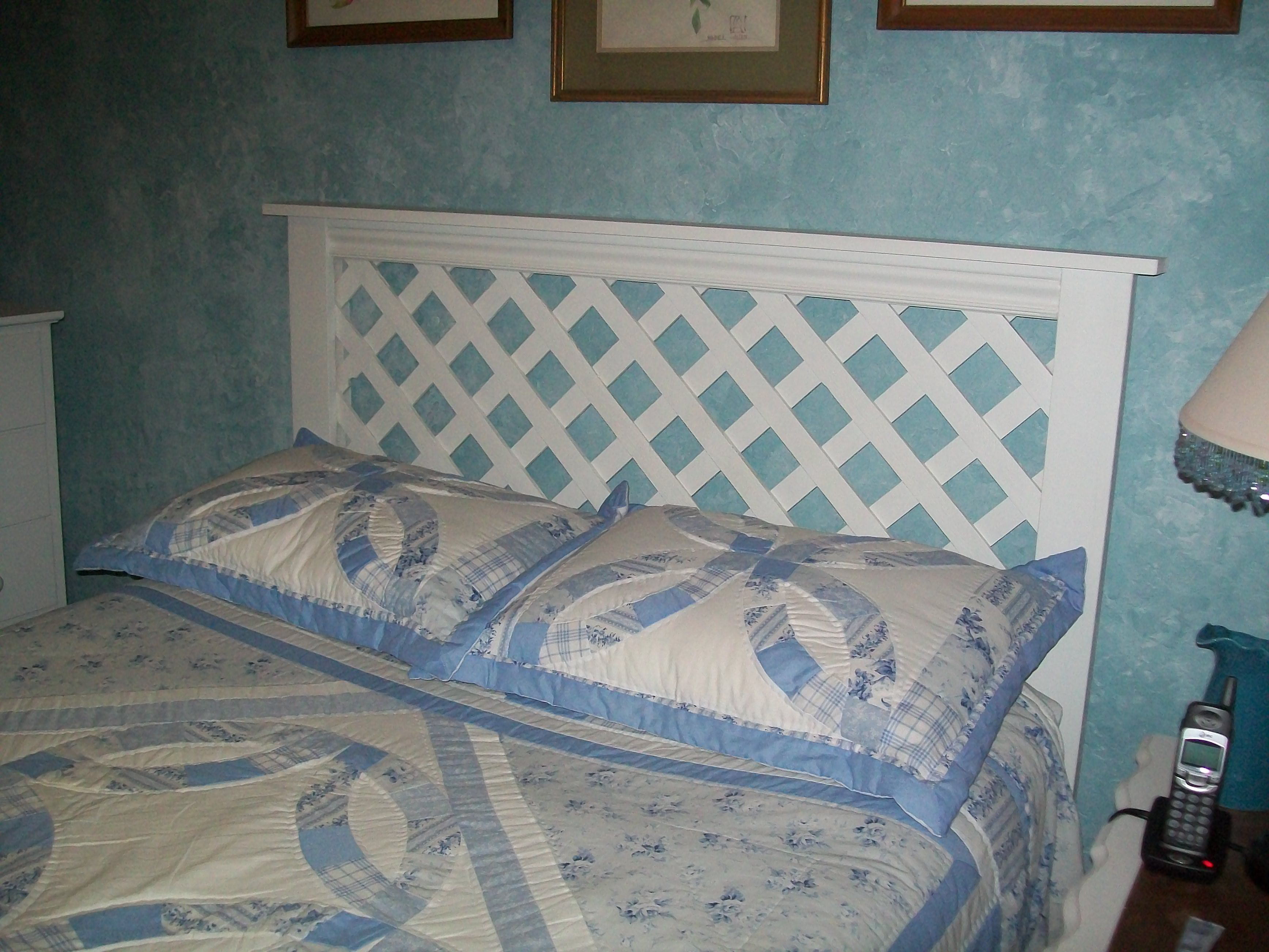 belcourt with com bed colors product roomstogokids beds lattice platform headboard pc white queen br