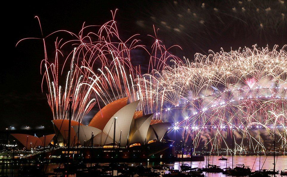 The fireworks were met by large cheers and applause from the millions around the harbour. Australia.( 01012017 )
