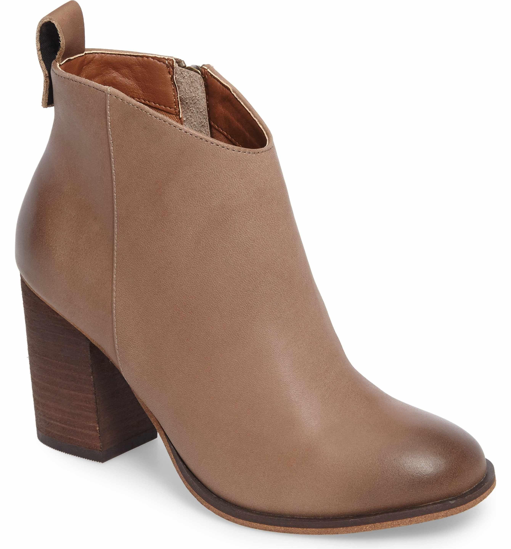 e83cd4f053079 Main Image - BP. Lance Block Heel Bootie (Women) - Size 7.5