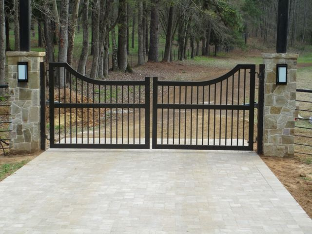 Choosing the best automatic gate for your home http www for Motorized gates for driveways