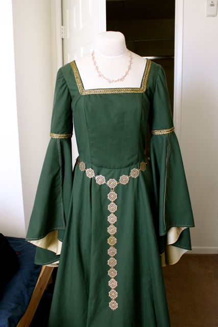 Cation Designs: Historical Sew Fortnightly: Embellishment for Green