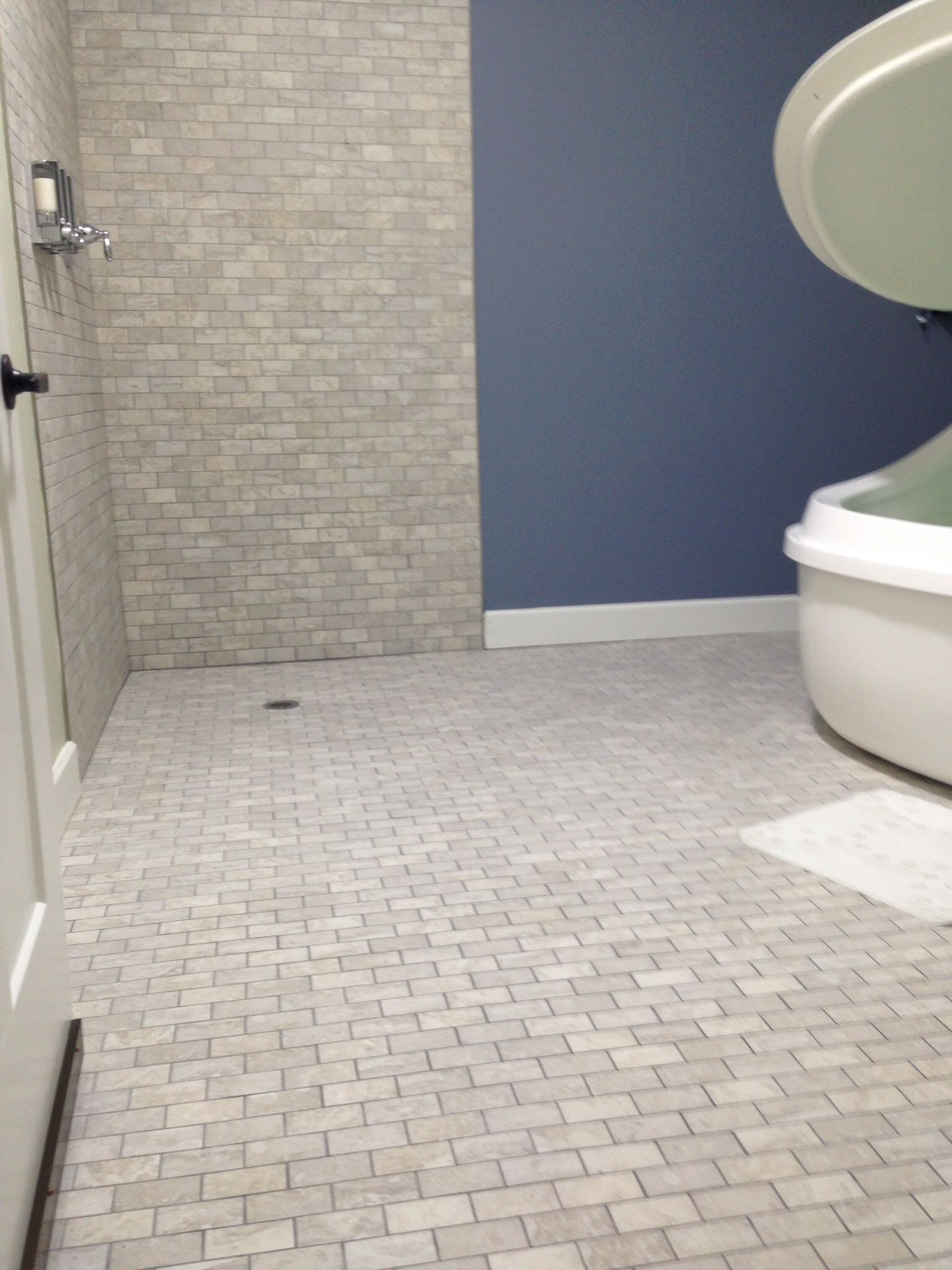 Daltile Exquisite Eq11 Chantilly 2x4 Mosaic Daltile In