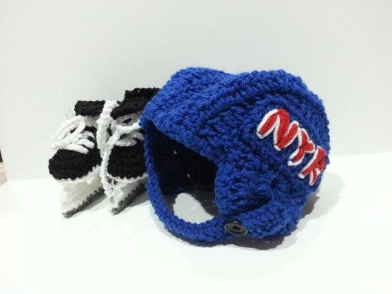 New York Rangers Helmet and Ice Skates, NHL Rangers, Hockey Skates by Dremnstar - http://goo.gl/uC8hv9