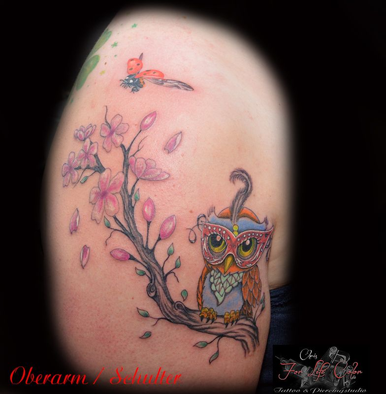 Oberarm / Schulter #tattoorosenheim #chris #raubling #tattoochris #christattoo #forlifecolor #tattooraubling #ink #instatattoo #eule #kirschblueten #ast #marinkaefer #rosenheim #raubling #tattoo #tattoos #liked #tattoolife #tattoolovers #tattooart #tattooed #artistchris #artist #tattooartist #colourink
