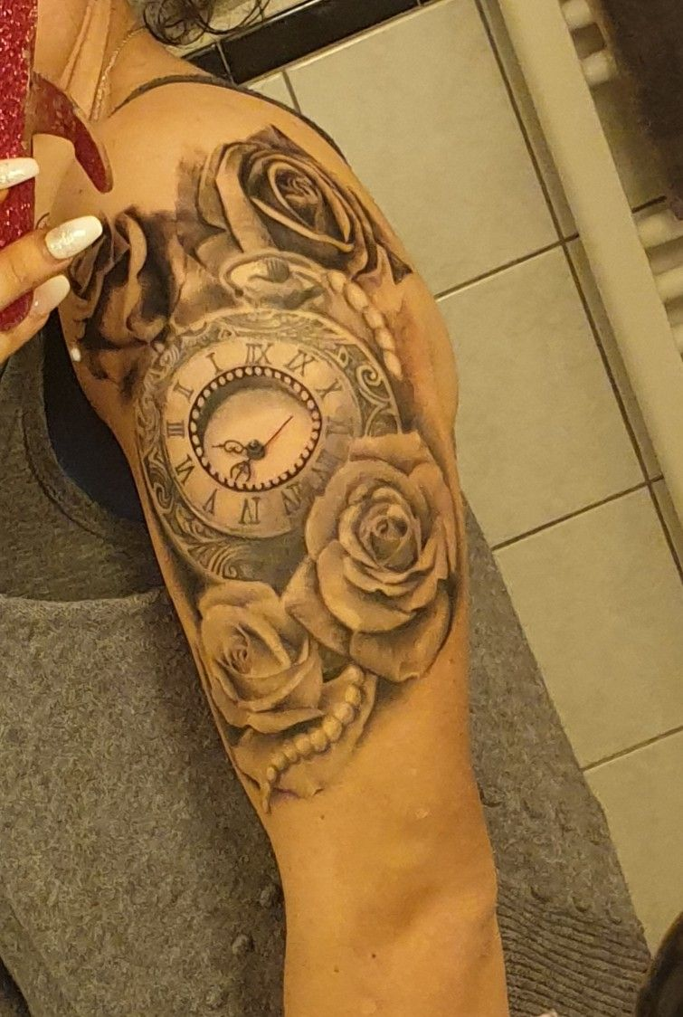 Tattoos Uhr
