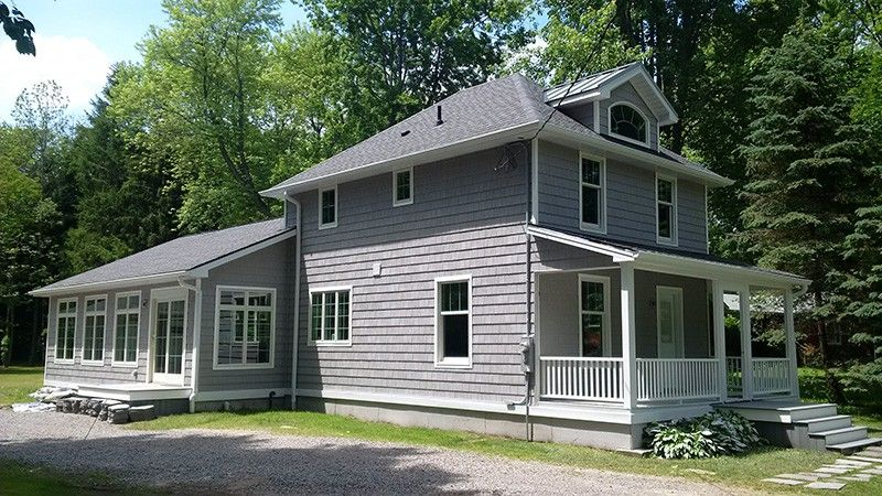 Kwp Engineered Wood Siding Naturetech Hampton Shakes Pearl Grey With White Trim Wood Accent Feature Cladd Siding Options Engineered Wood Siding Wood Siding