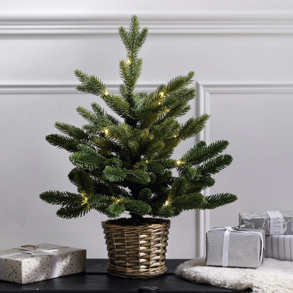 PreLit Christmas Tree in Willow Basket 1.5ft