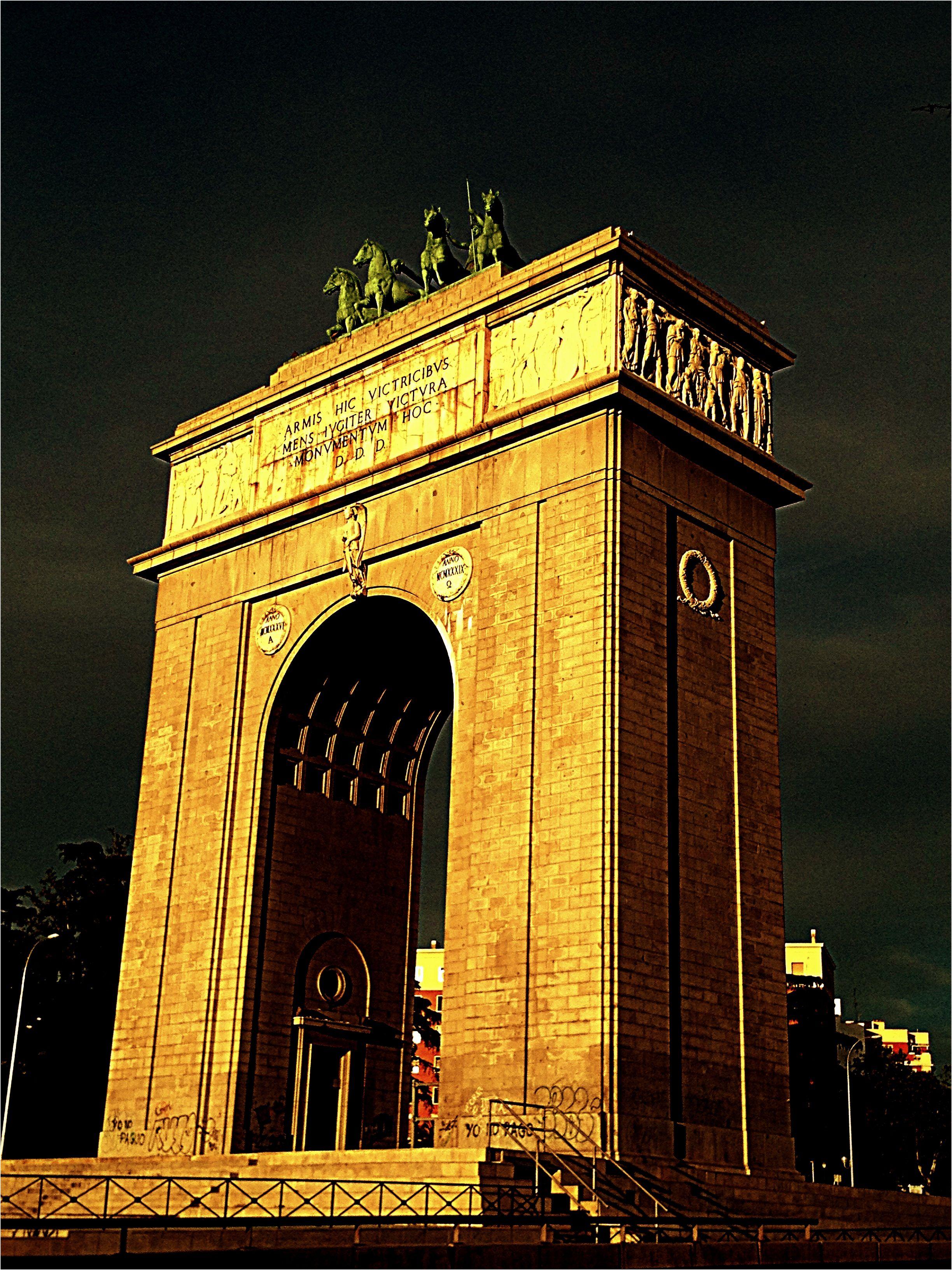 En Madrid Tambien Tenemos Un Arco Del Triunfo Arco De La Victoria