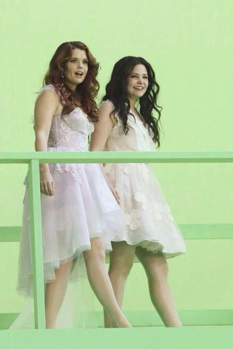 "Snow White and Ariel. Once Upon a Time Season 3, 3x06, ""Ariel""."