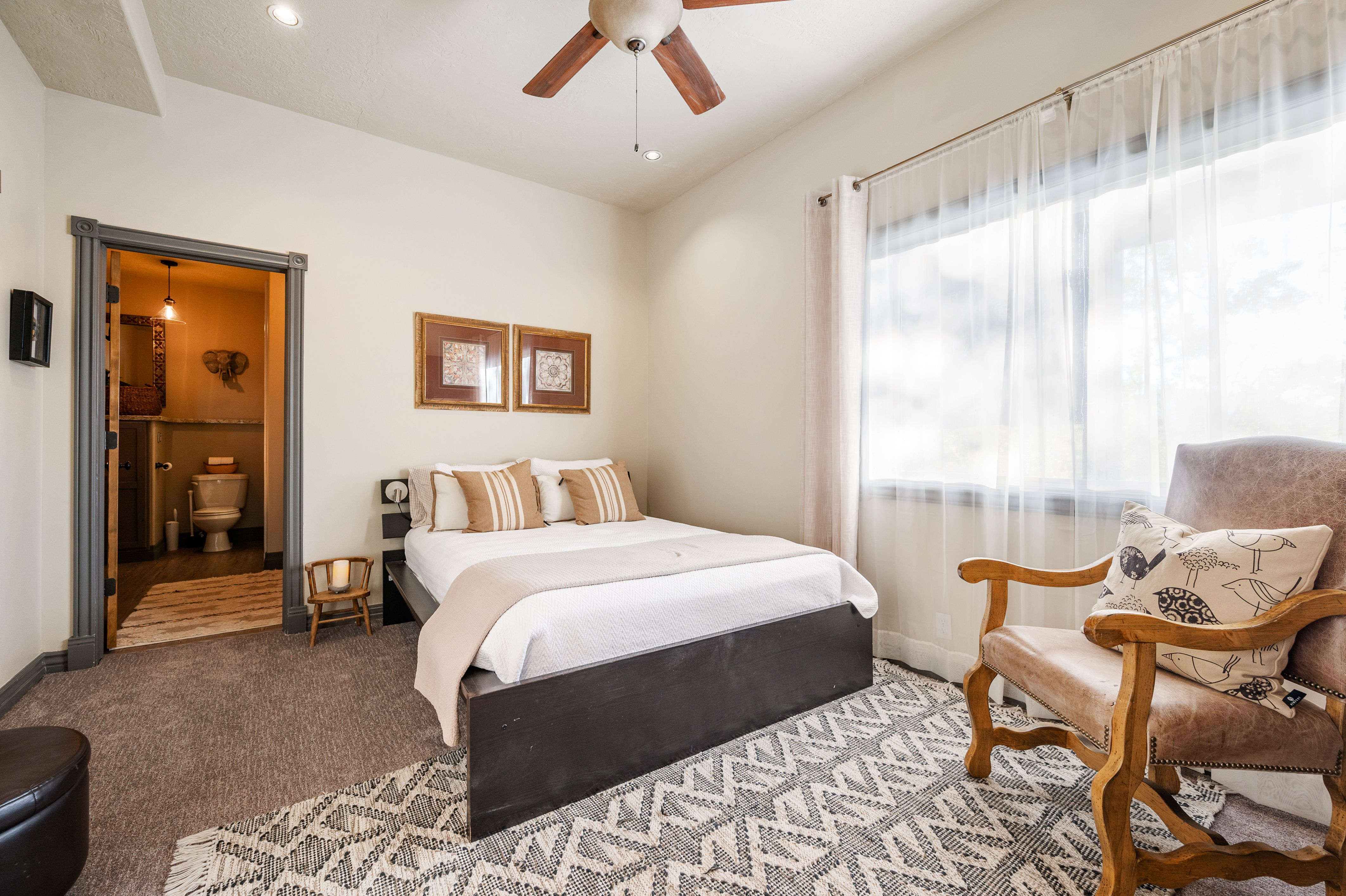 One of 6 spacious bedrooms in this Jeremy Ranch Home. #WindermereUtah #RealEstate #UtahHomes #ParkCityHomes #Bedroom #Neutrals #HomeDesign #HomeStyle #LuxuryLiving #DreamHome #Luxury #Airy #Bright #Home #Interior