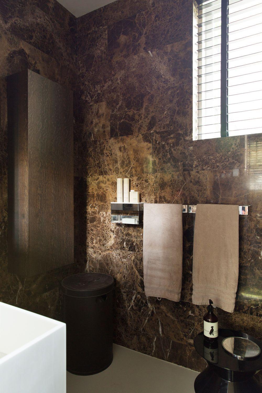 #002 Bathroom emperador dark marble Bright Apartment Interior Minotti Casamilano... ,  #Apartment #Bathroom #beigemarble #Bright #Casamilano #Dark #darkmarble #emperador #interior #Marble #marbledecor #marblefashion #Minotti
