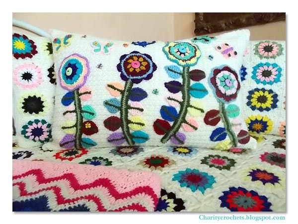 Adventures in yarn, food and gardening, and all things good.: Ta Dah! The Big Reveal... Happy Summertime Butterfly Garden Bed Pillow