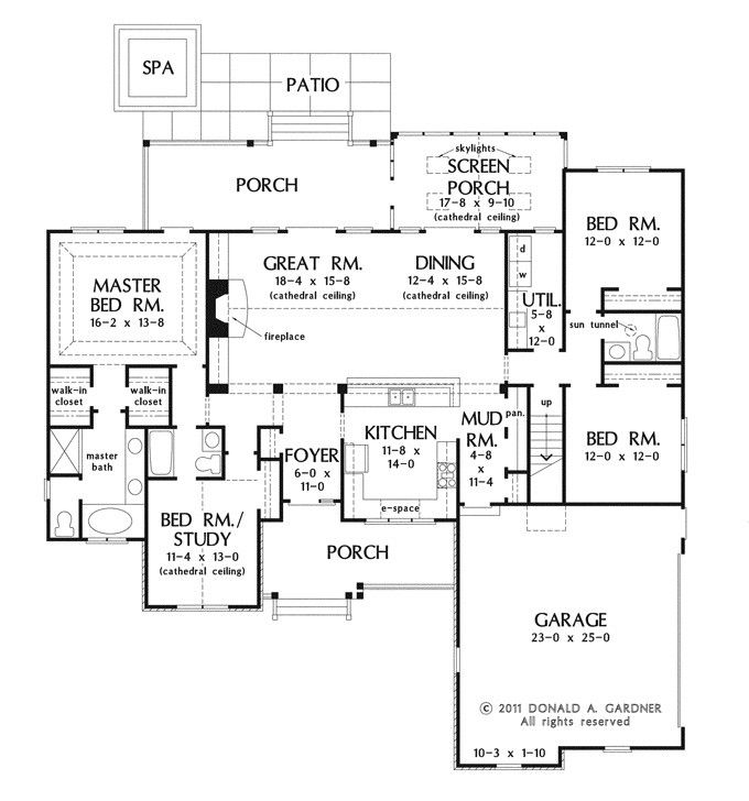 Country Style House Plan 4 Beds 3 Baths 2124 Sq Ft Plan 929 46 New House Plans Country Style House Plans Floor Plans