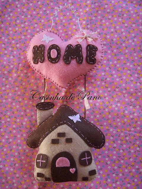 Casinha de feltro by Casinha de Pano, via Flickr