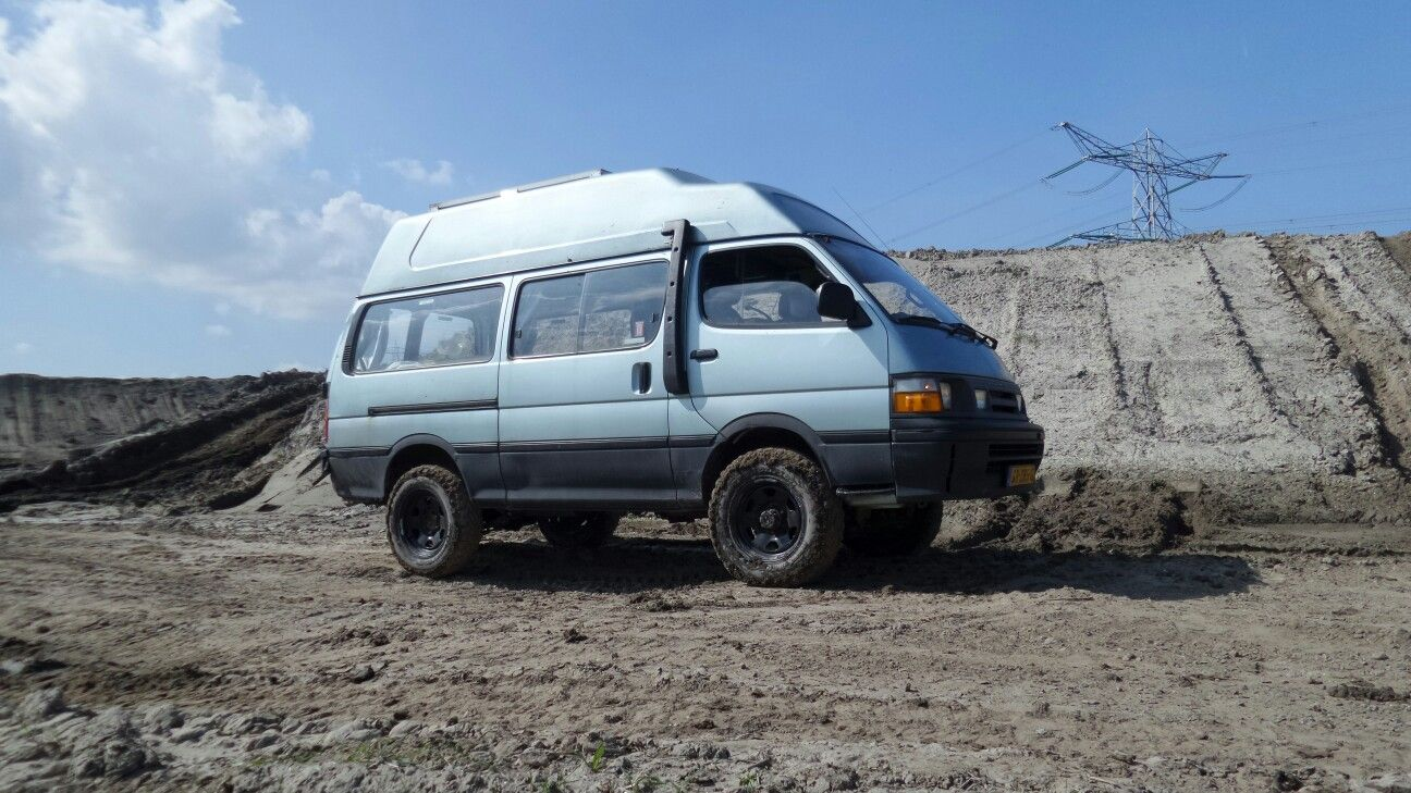 toyota hiace 4x4 after raising the suspension hiace 4wd. Black Bedroom Furniture Sets. Home Design Ideas