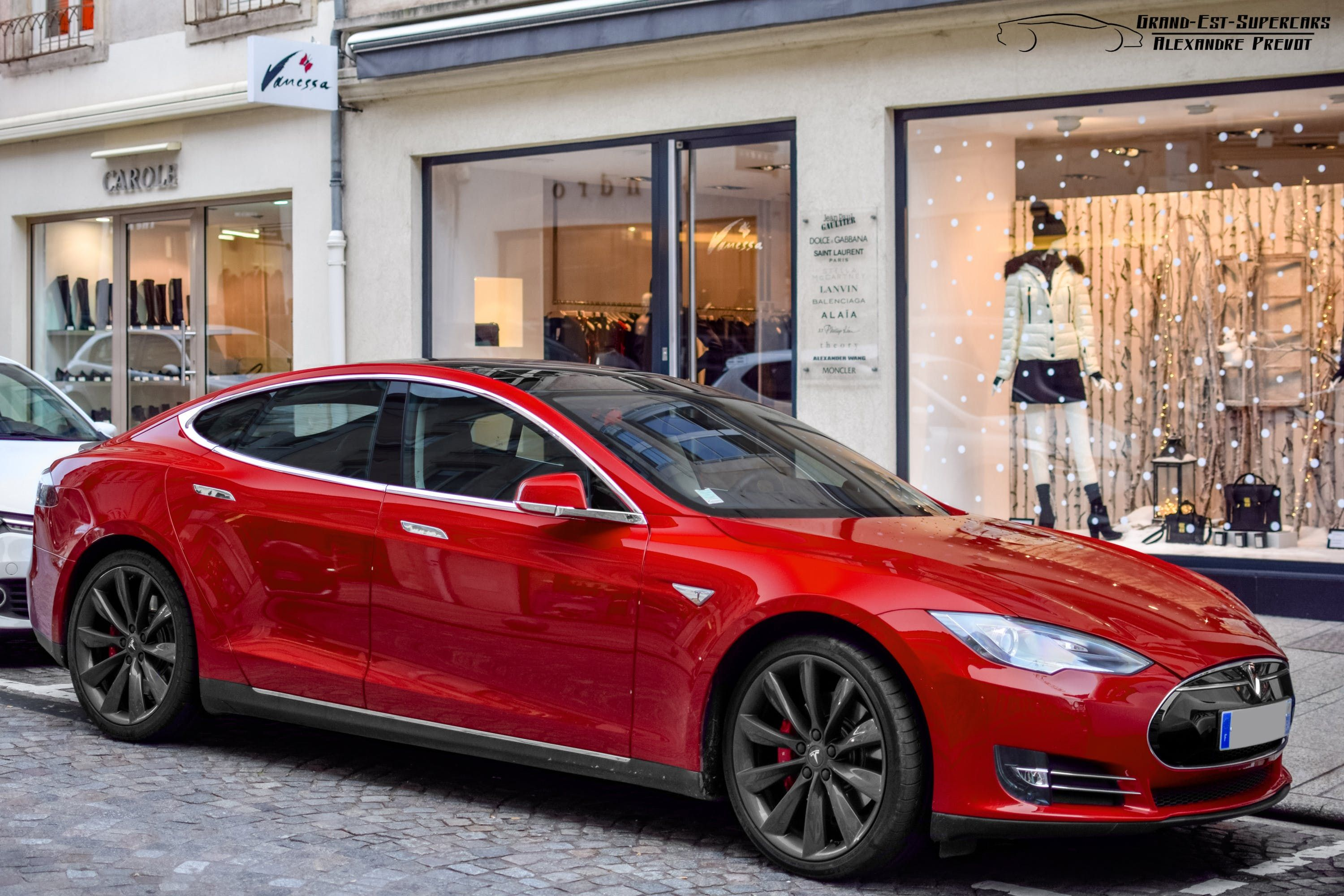 Tesla Electric Cars Are Beating Auto S Evs In This Crucial Stat