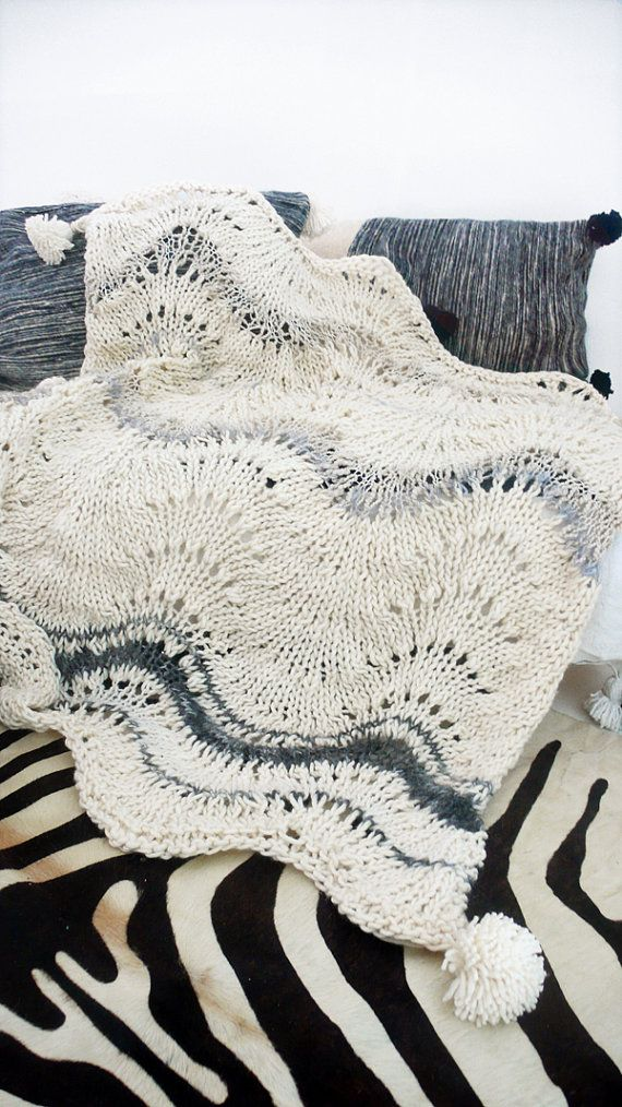 Knitted thick wool blanket with POMPOMS | knitting | Pinterest ...