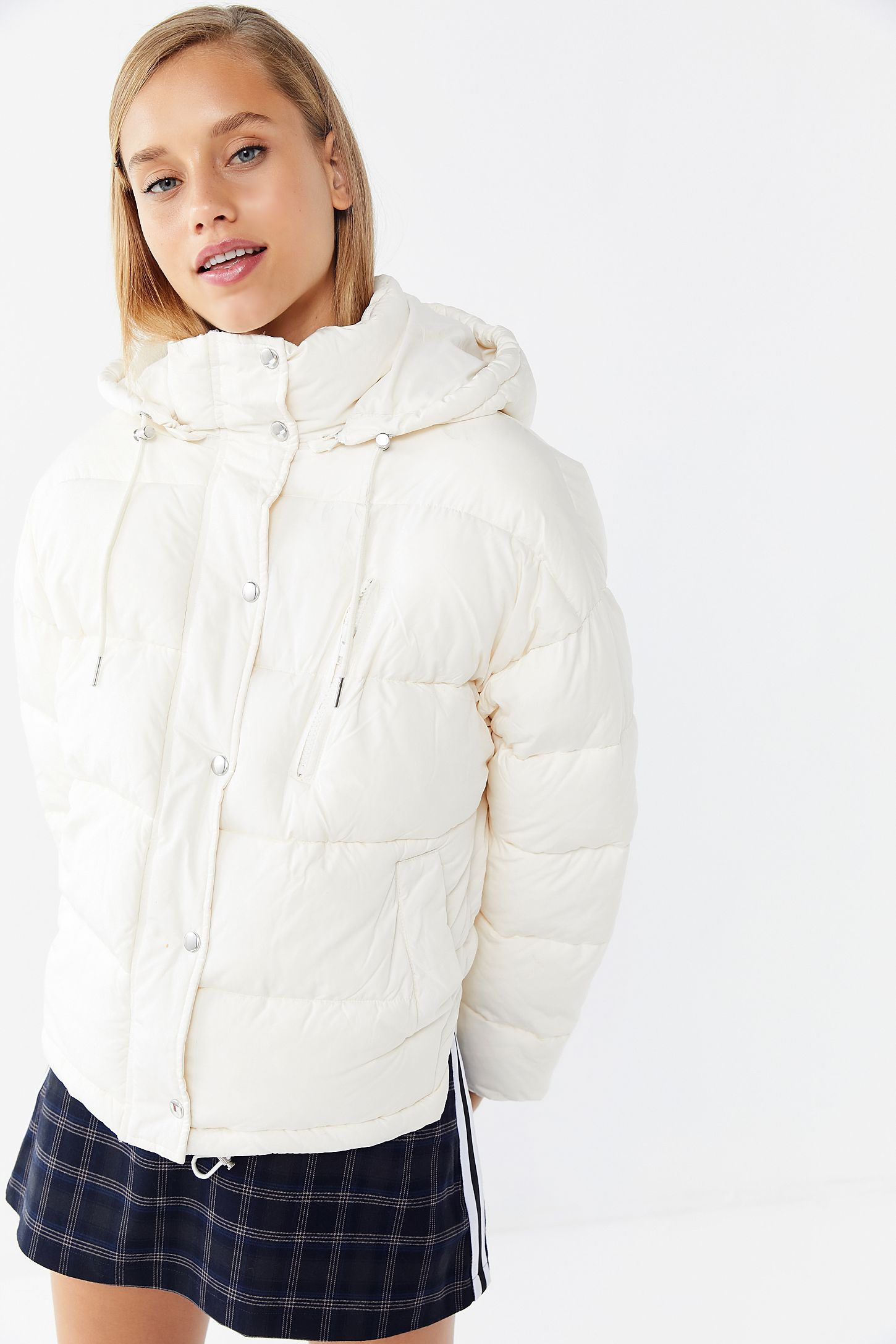 Uo Mae Hooded Puffer Jacket White Puffer Jacket Jackets Puffer Jackets [ 2175 x 1450 Pixel ]