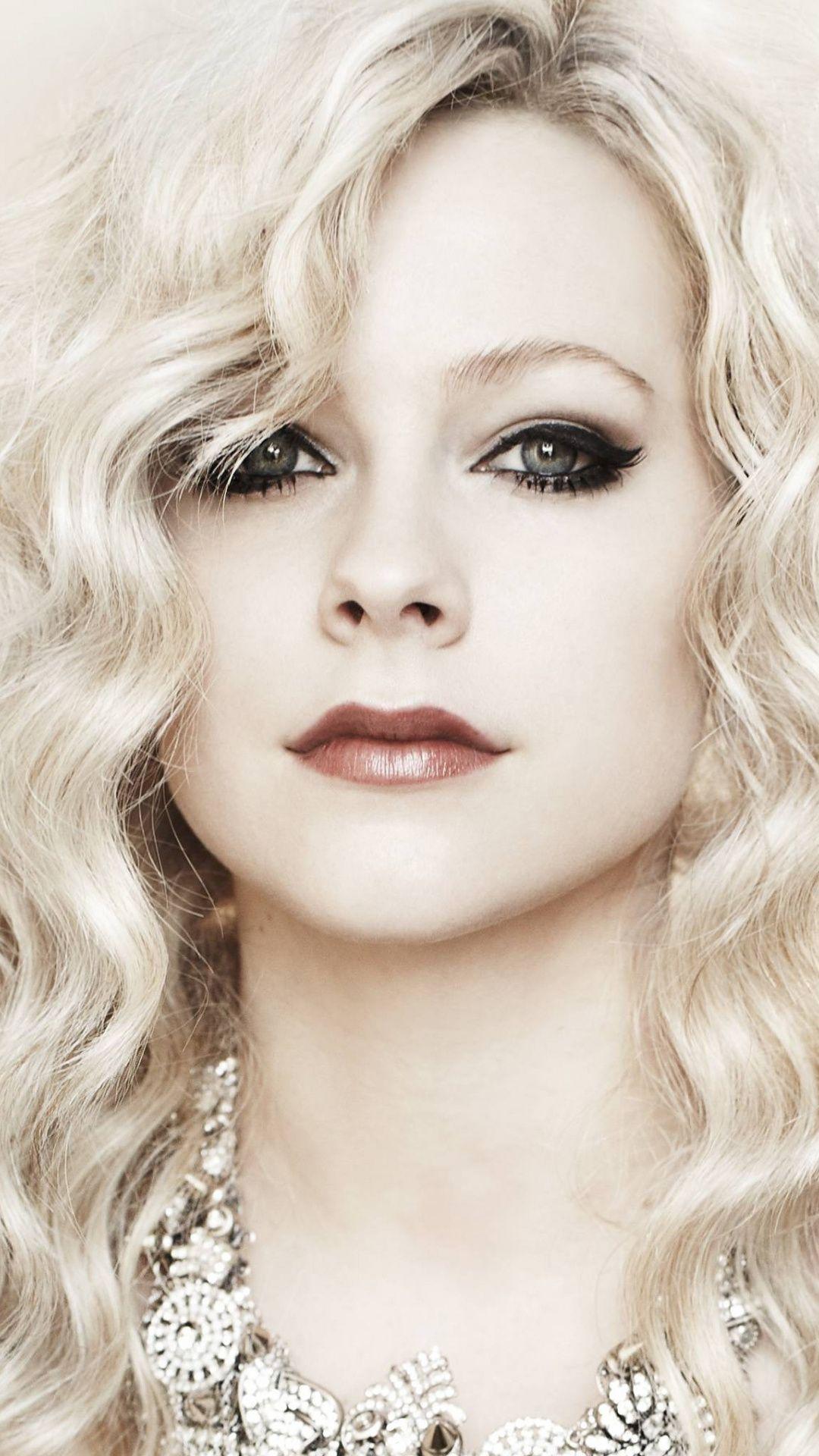 Avril Lavinge Makeup 2018 1080x1920 Wallpaper Celebrity