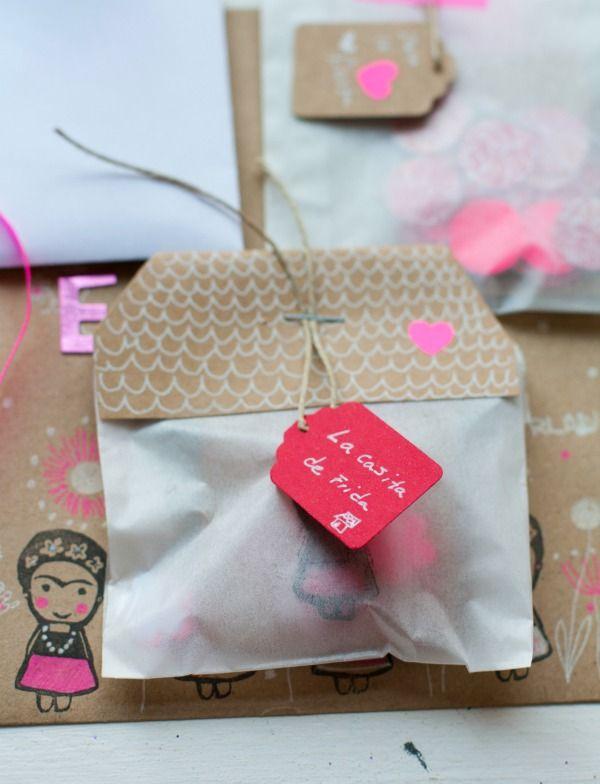 Happy Mail Project Letter To Erika Ishtar Olivera Correo Feliz Regalos Bricolaje De Adornos De Navidad