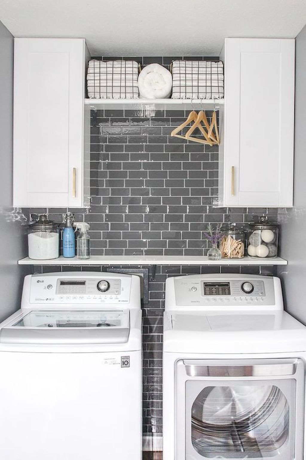 60 Functional Small Laundry Room Design Ideas images