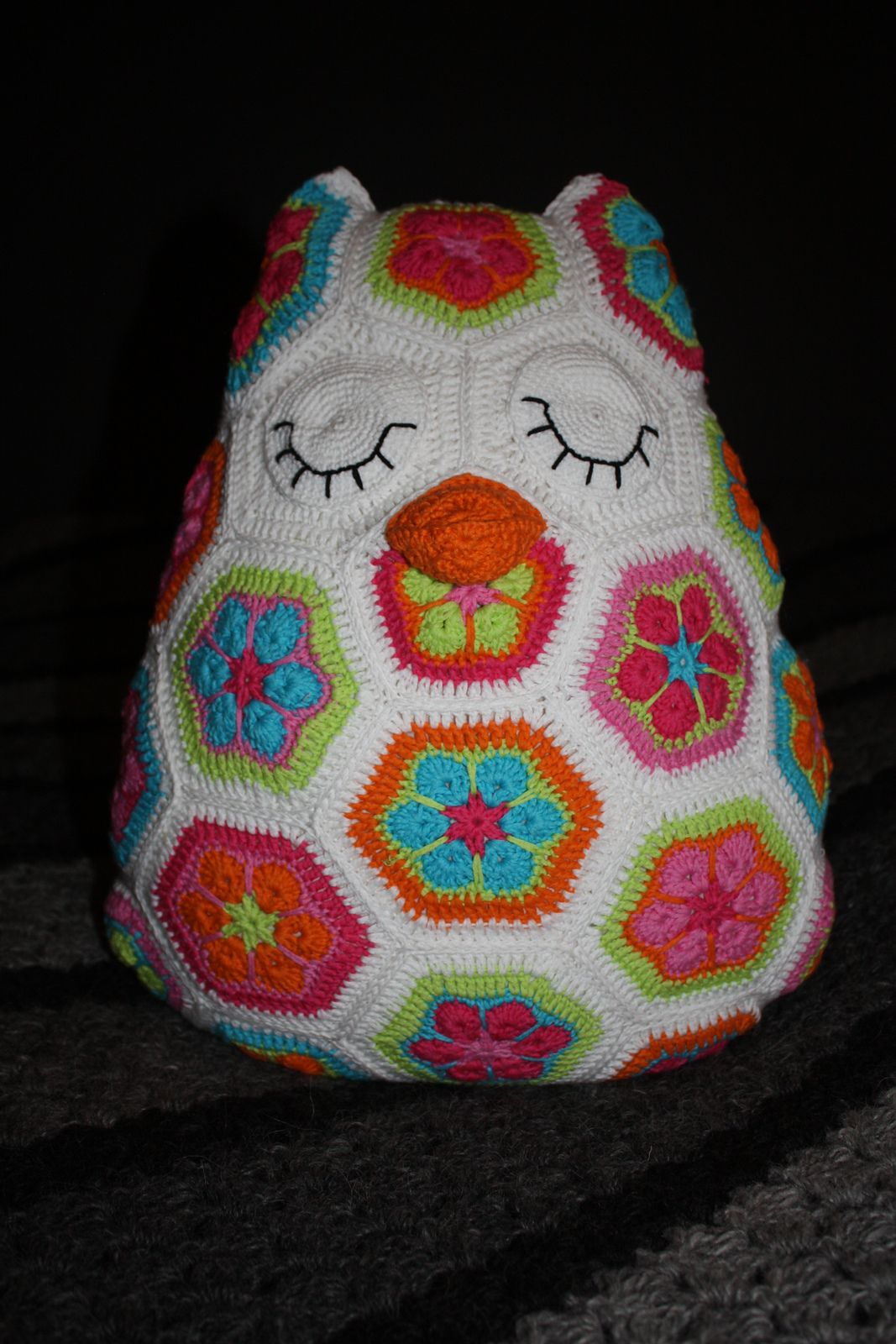 Animal Pillow Pinterest : Ravelry: Project Gallery for patterns from African Flower Animal Pillows Ebook African flower ...