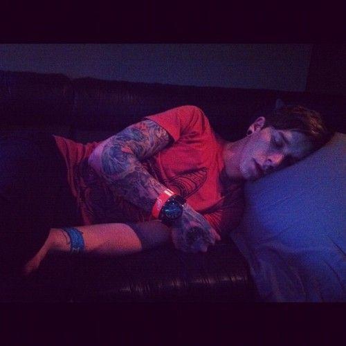 Justin Hills <3 omg he is so cute!!