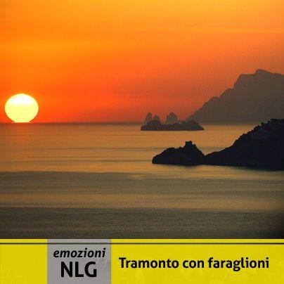 Dopo un'altra settimana trascorsa in vostra compagnia, non ci resta che augurarvi uno splendido week end!  fonte immagine :http://www.amalfimarine.com/