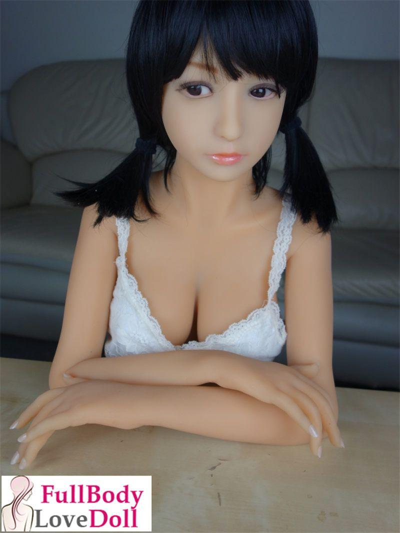 Cute girl has sex