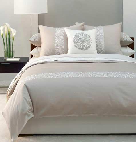 kleine slaapkamer groter laten lijken door een verticale streep te ...