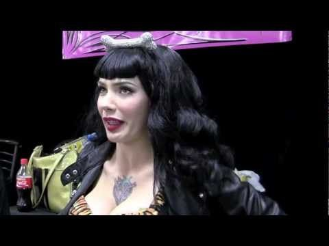 Micheline Pitt talks with PinUpPassion.com