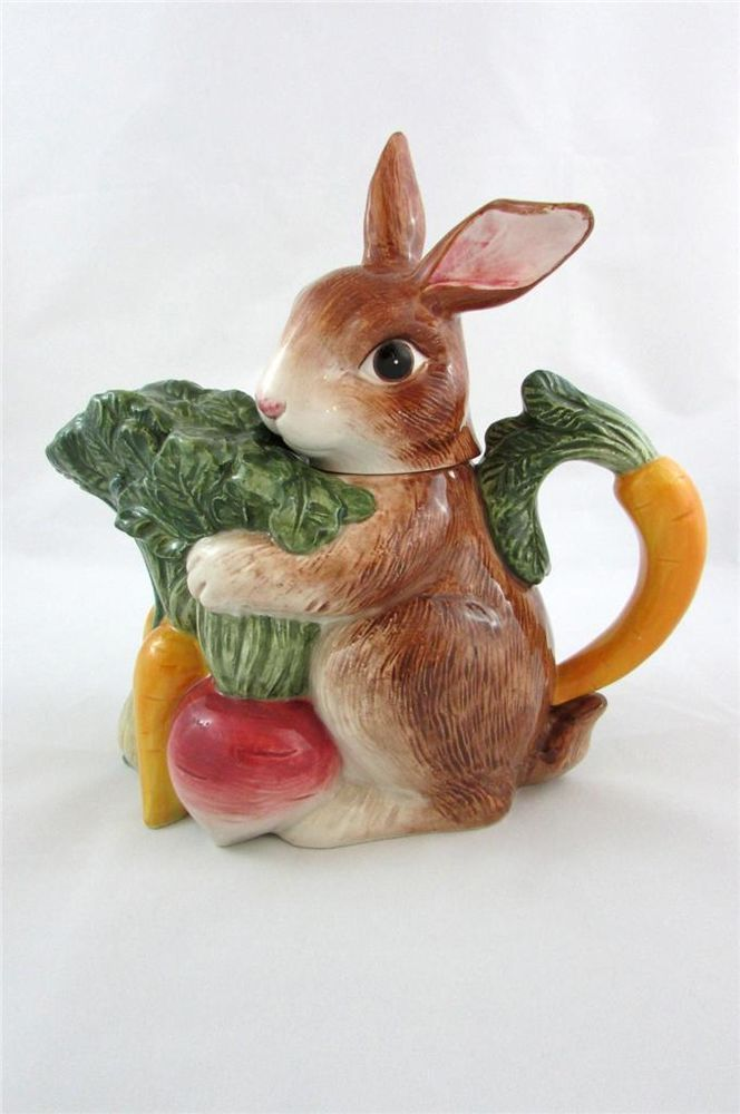 1996 Omnibus By Fitz And Floyd 32 oz Bunny Rabbit Holding Vegetables Teapot