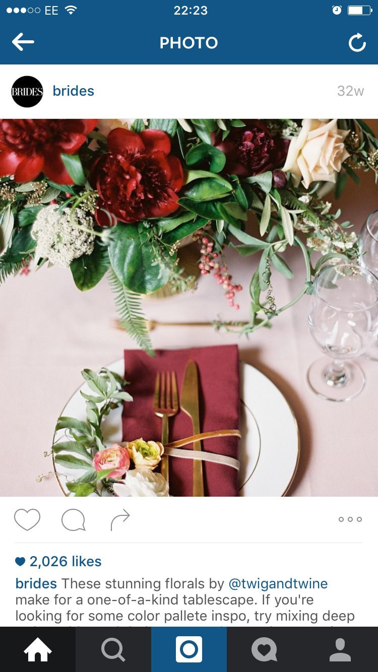 Wedding decorations red  Table Decoration red and gold  Table ideas  Pinterest  Table