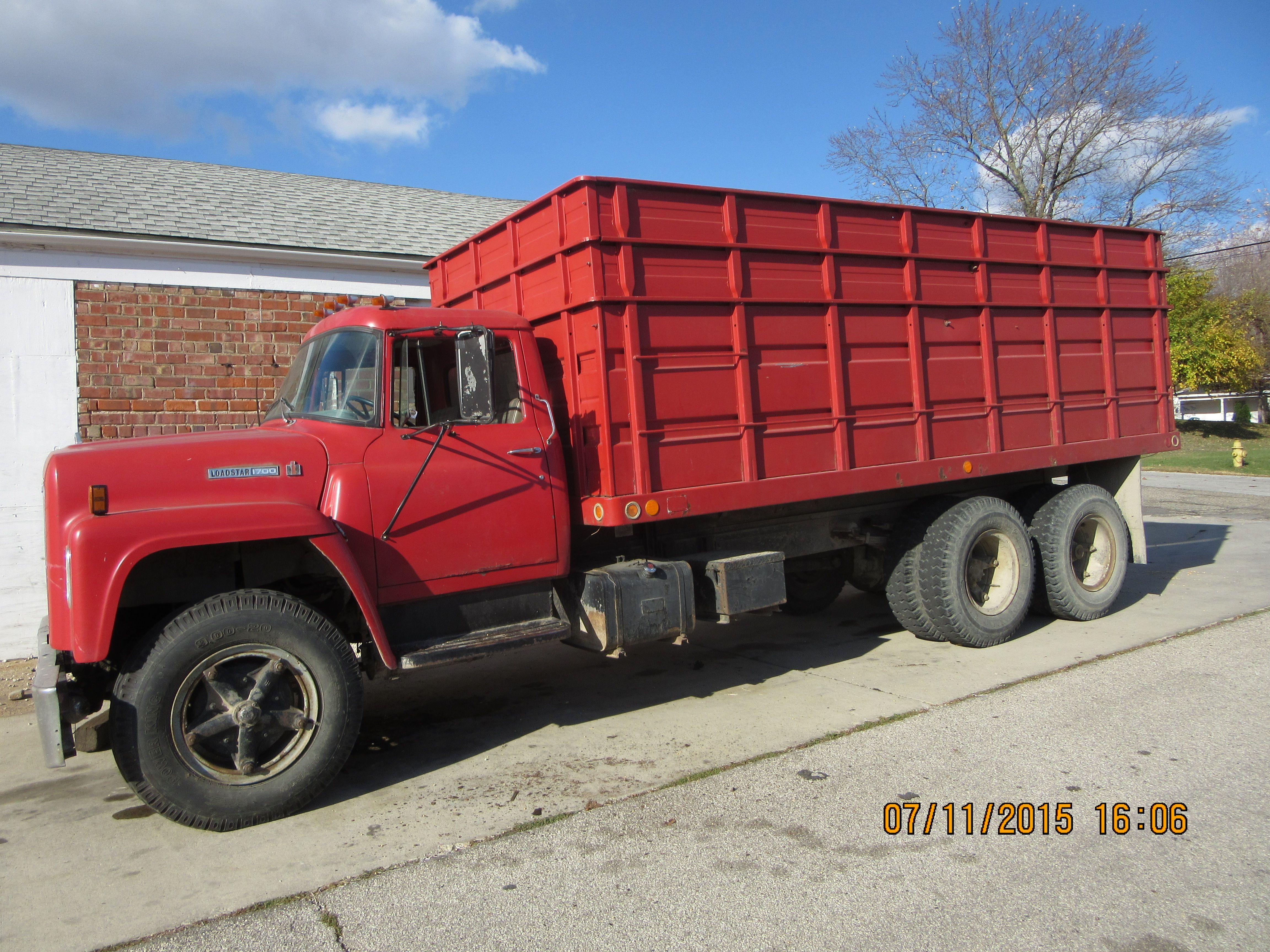 International 1700 Loadstar 2 Axle Grain Truck Farm Trucks