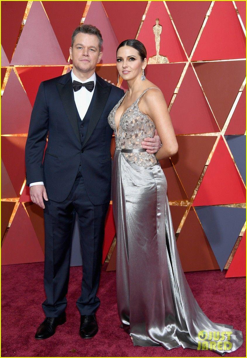 Matt Damon Spills He Doesn't Think He's a Match for Jimmy Kimmel at Oscars  2017 | Red carpet oscars, Celebrity red carpet, Celebrity style
