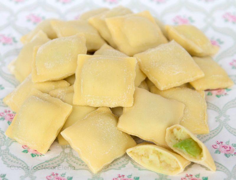 Ravioli patate e zucchine | Ricetta ripieno goloso e delicato