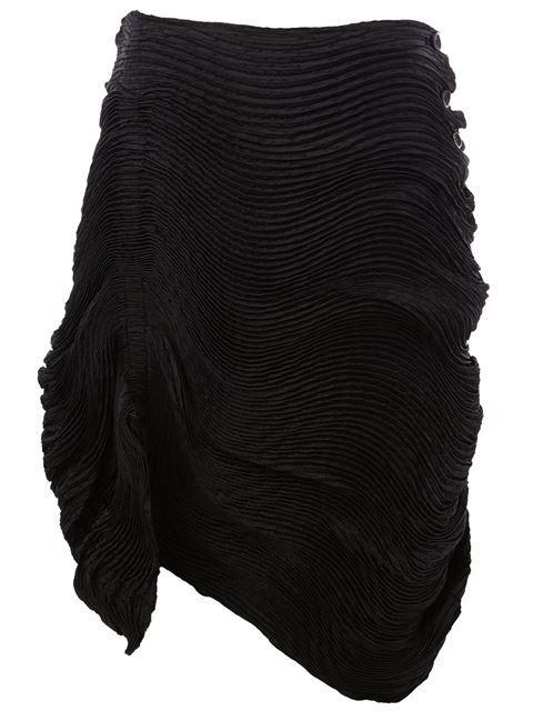 ISSEY MIYAKE gathered pleat skirt. #isseymiyake #cloth #缩褶百褶半身裙
