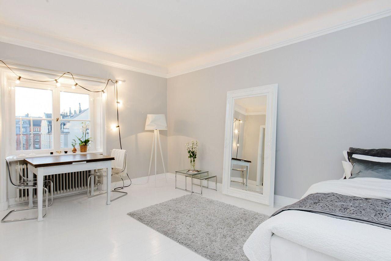 Best White Minimalistic Studio Apartment Minimalist Apartment 640 x 480