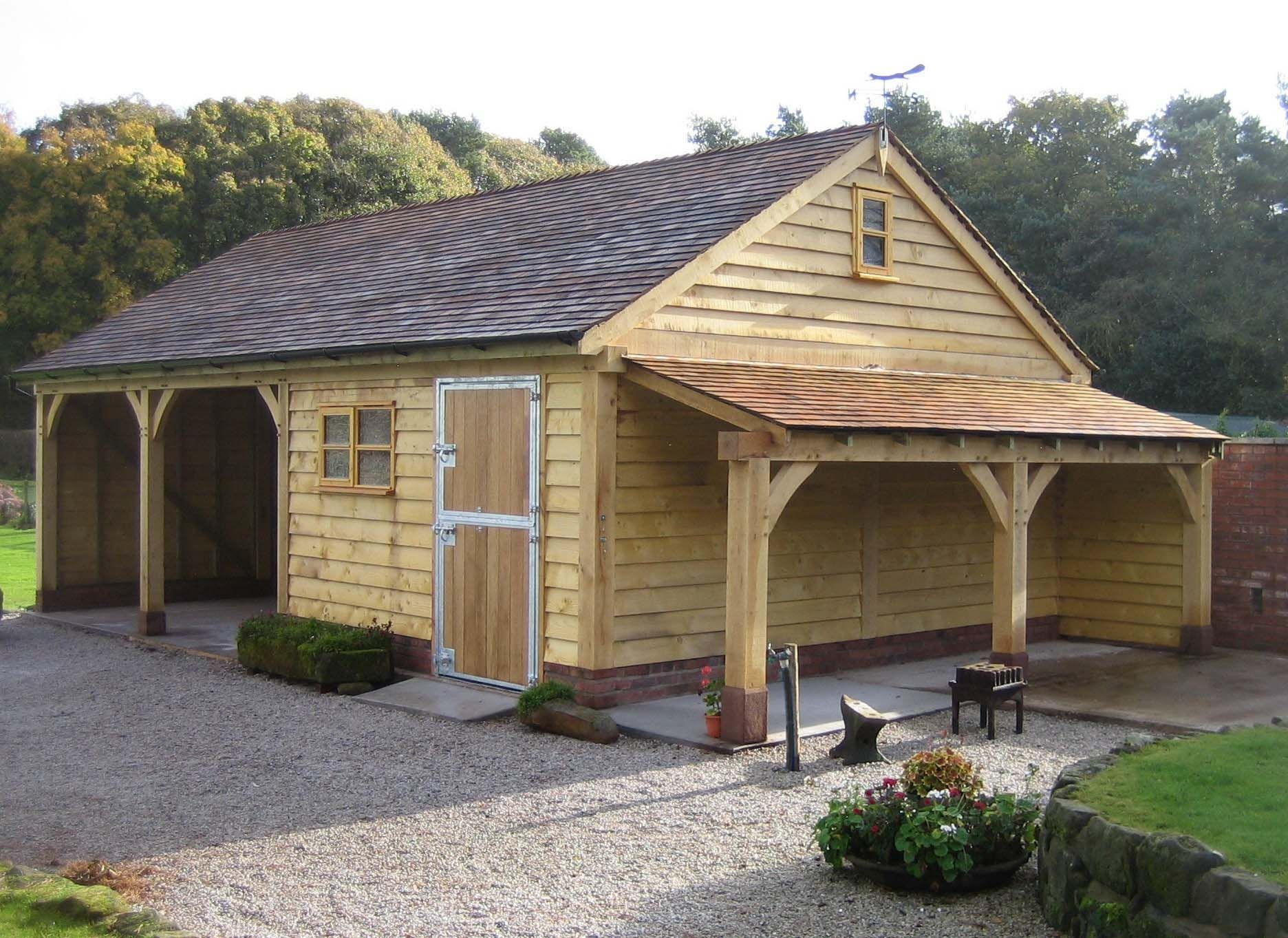 A Bespoke Version Of Our Garage Incorporating Two Open Parking Bays Stable Log Store Cedar Shingle Roof Domy Architektura Szopa