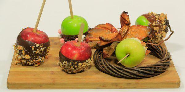 Cbc Sofra طريقة تحضير تفاح بالشيكولاتة والبسكوت رانيا الجزار Recipe Food Caramel Caramel Apples