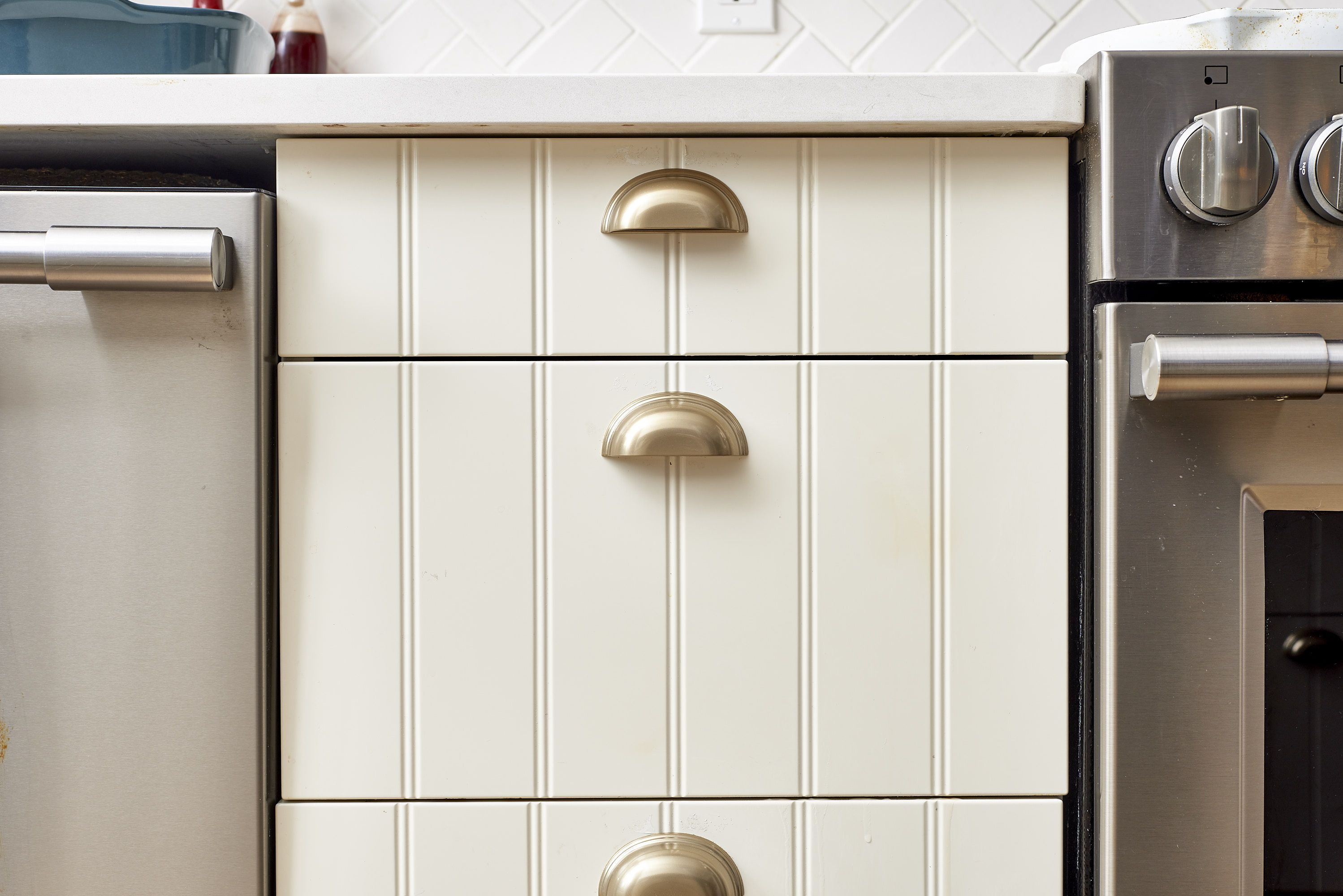 How To Get Sticky Cooking Grease f Cabinet Doors