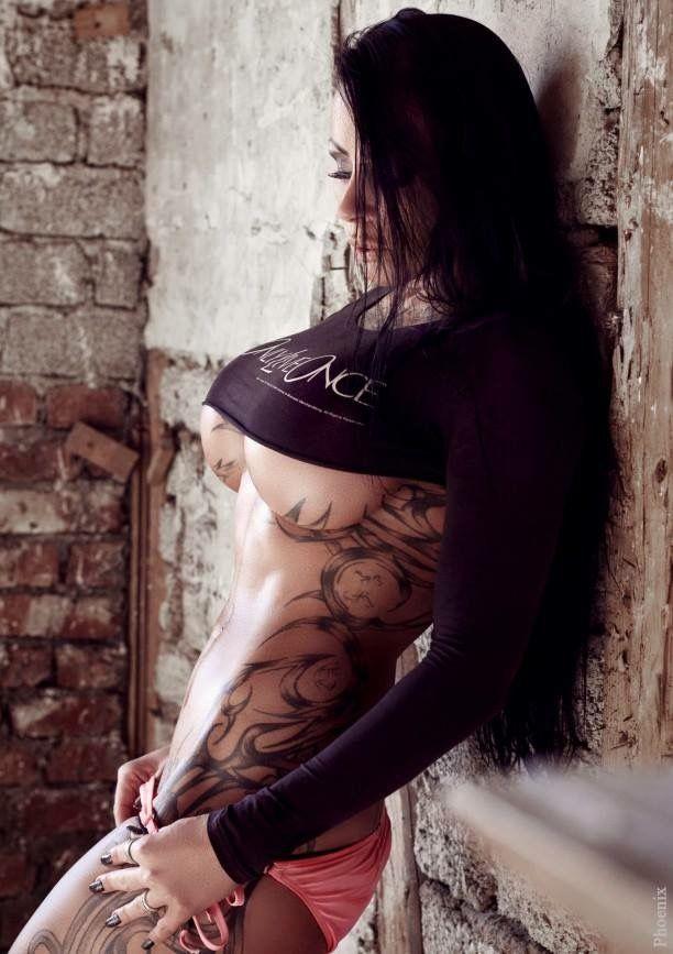 pin von anton m ller auf geile weiber tattoos frauen. Black Bedroom Furniture Sets. Home Design Ideas