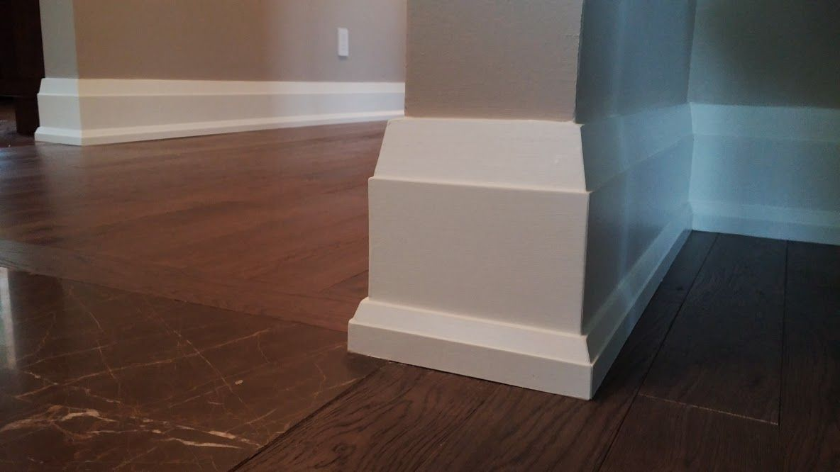Effigy of modern baseboard gives eclectic outlook for Modern floor molding