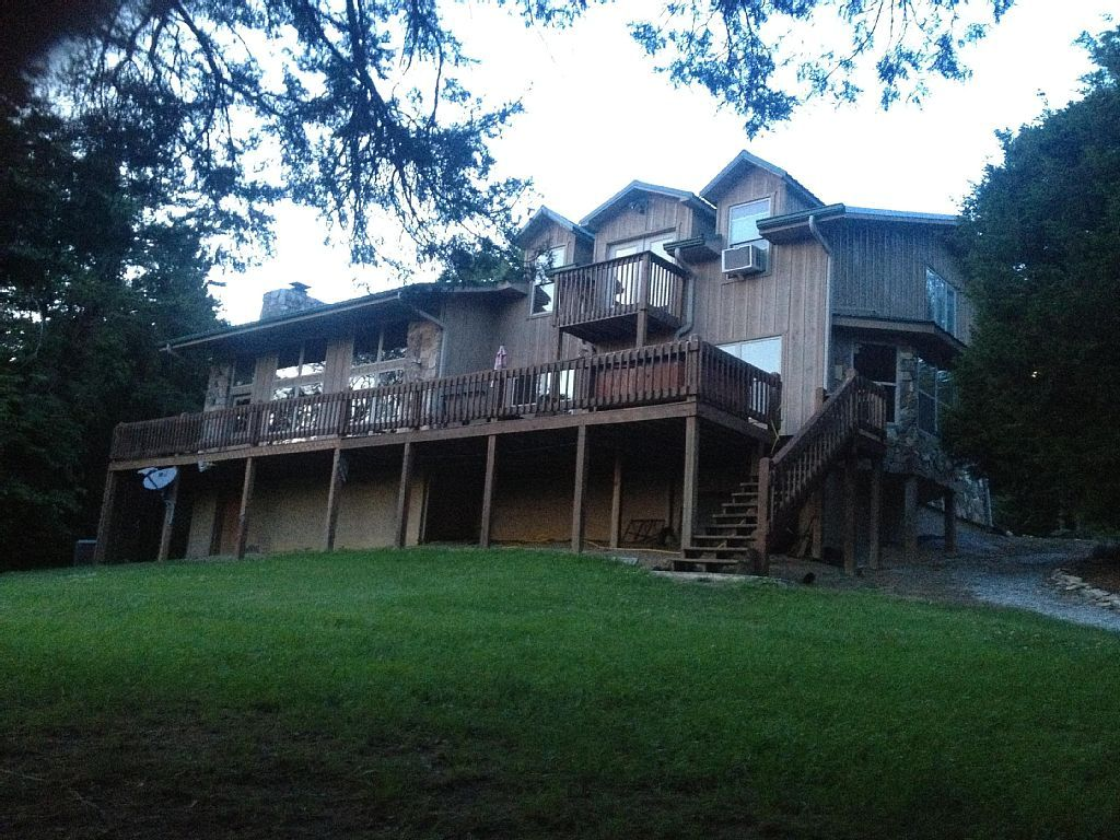 The Lakefront Lodge And Chalet Dandridge Chalet Lodge Vacation Books