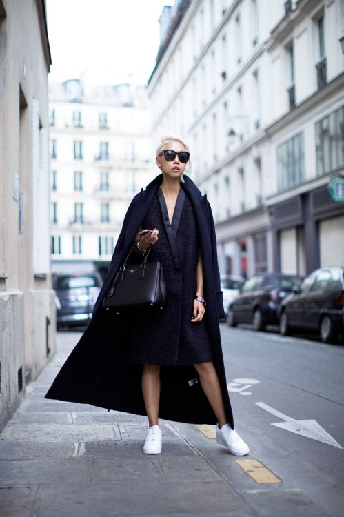 #cape #coat #allblack #whitesneakers #shades