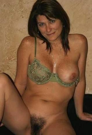 amateur Sexy milf naked