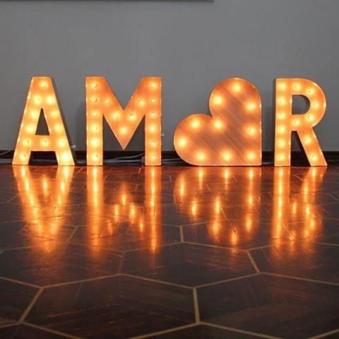 Um toque de luz no casamento!