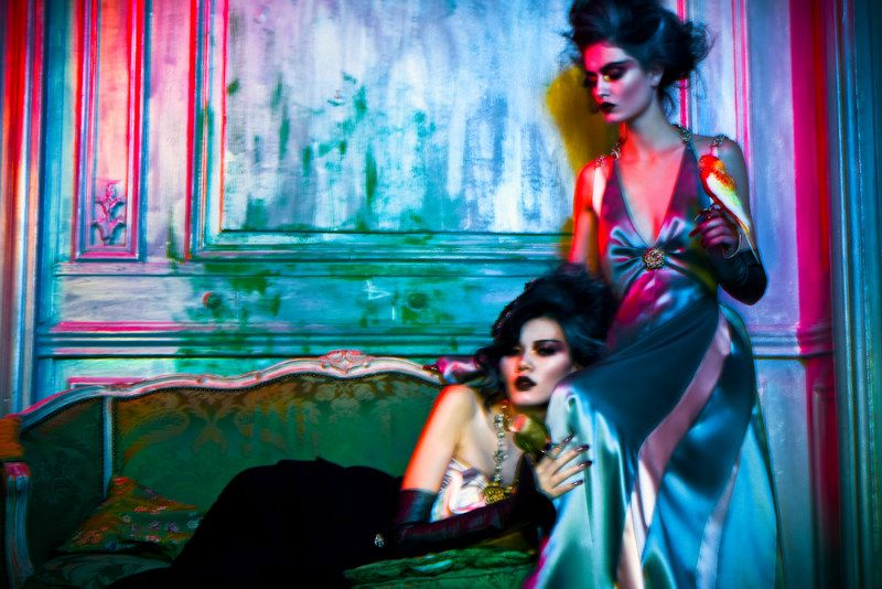 Haute Fairytales – Photographer Michelle Du Xuan brings us this stunning editorial from the September issue of L'Officiel China, featuring models Pauline Van Der Cruysse (Elite Paris) and Zhu Lin (IMG Paris) in a kaleidoscopic time traveling fairytale. Styled by Hanae Uwajima, the girls don a marvelous wardrobe of couture pieces by Elie Saab, Dior, Chanel, Valentino, Versace and Alexis Mabille amongst others. Hair stylist Shuko Sumida and make up artist Min K create otherworldly looks with…