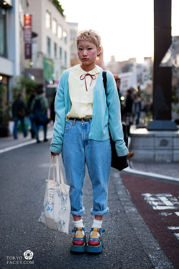 a19708cb5a1 japanese-girl-rolled-up-jeans-platform-shoes-1
